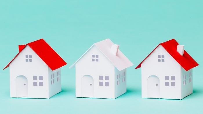 Comparing Retirement Housing Options photo