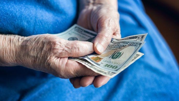 Prevent Elderly Relatives from Throwing Away Money photo